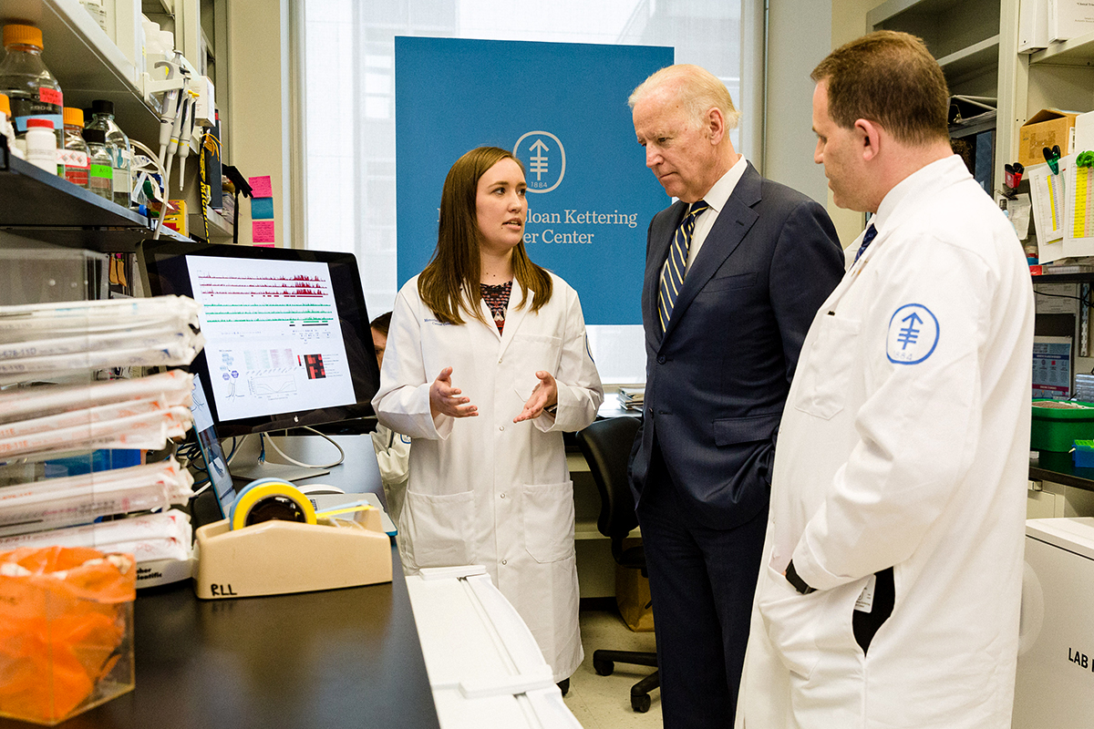 Vice President Biden visits the lab of leukemia expert Ross Levine