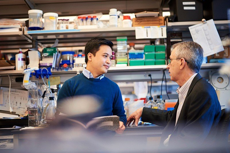 Student Danilo Reynaldo Macalinao with his GSK mentor, Sloan Kettering Institute Director Joan Massagué