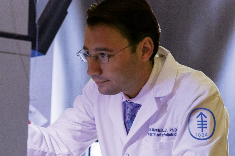Cancer biologist and pediatric oncologist Alex Kentsis
