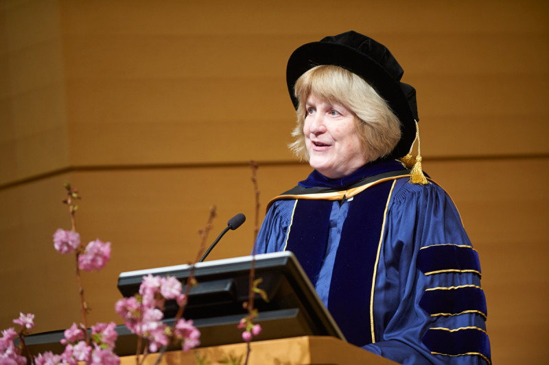 Memorial Sloan Kettering Medal winner Mary-Claire King addresses the audience.