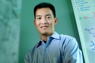 Derek Tan, research lab head